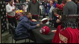 Chiefs fans line up for chance to meet Honey Badger [Video]