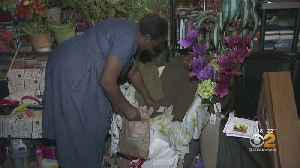 Only On CBS2: Harlem Woman Determined To Reunite Memorabilia With Owner's Family [Video]