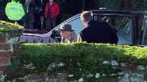 Queen arrives at church near her Sandringham estate [Video]