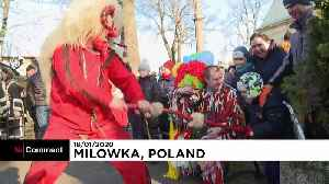 Mountain men in Poland bring in the New Year in full costume [Video]