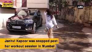 Janhvi Kapoor clicked in girl next door look in Mumbai [Video]