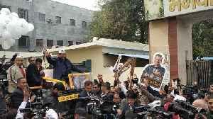 Arvind Kejriwal holds roadshow ahead of Delhi polls [Video]