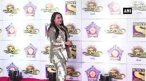Bollywood divas look gorgeous at 'umang 2020' [Video]