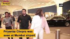 Priyanka Chopra, Ranbir Kapoor spotted at Mumbai airport [Video]