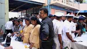 Sri Lanka's attempt to break record of largest gathering of twins hindered by huge turnout [Video]