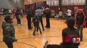Philadelphia Police Officers Join Forces With Community Service Project [Video]