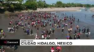 Scuffles as migrants try to cross into southern Mexico [Video]