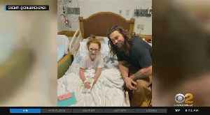Actor Jason Momoa Visits Children's Hospital [Video]
