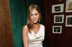 Jennifer Aniston joined Instagram because of peer pressure [Video]