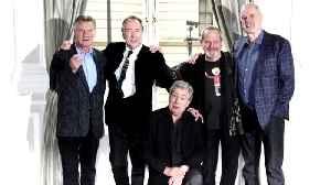 'Monty Python' icon Terry Jones dies aged 77 [Video]