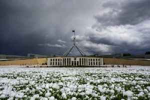 Freak 'Armageddon' hailstorm wallops Australia amid deadly fires [Video]