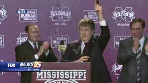Mike Leach approval at Senior Bowl [Video]