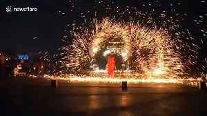 Artists perform dazzling fire dragon dance to welcome the Year of the Rat [Video]