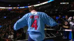 Matthew Tkachuk surprises the crowd with Yadier Molina jersey [Video]