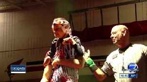 HS senior with cerebral palsy gets a chance to wrestle [Video]