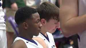 Barberton High School basketball player sits during national anthem for religious beliefs [Video]