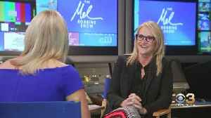 A Chat With: Talk Show Host And Motivational Speaker Mel Robbins [Video]