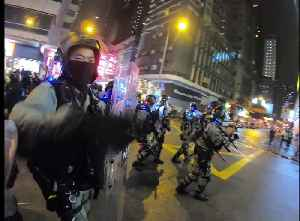Riot police clear streets as crowd gathers to mark 4th anniversary of Mong Kok riots [Video]