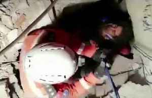 Dramatic rescue of woman and child after 24 hours under rubble [Video]