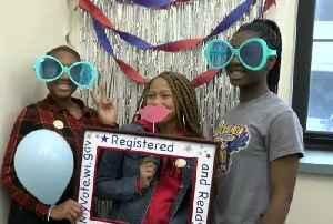 Event inspires high school seniors to register to vote [Video]