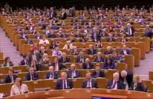 'Auld Lang Syne' marks Brexit deal in EU parliament [Video]