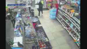 Search On For Armed Robber Who Hit Up Lauderdale Lakes Liquor Store [Video]