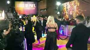 News video: Stars praise Margot Robbie at Birds of Prey premiere