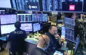 U.S. stocks slump on coronavirus fears, weaker GDP [Video]
