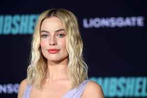 Margot Robbie and her friends used to egg their ex-boyfriends cars [Video]