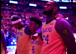 LeBron, Lakers pay tribute to Kobe in emotional pre-game ceremony [Video]
