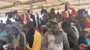 Italy accepts 363 migrants and refugees rescued at sea [Video]