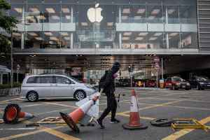 News video: Coronavirus Fears Leads to Apple Closing Stores and Offices in China