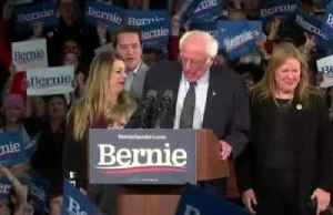 Sanders strikes optimistic tone amid Iowa results delay [Video]