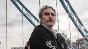 Joaquin Phoenix was tied to Tower Bridge hours before BAFTA Awards win [Video]