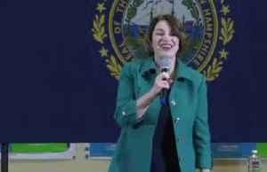 Klobuchar feels 'very good' as Dems await Iowa results [Video]
