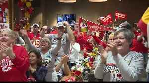 Chiefs fans celebrate team's Super Bowl win at Chiefs Kingdom radio show [Video]