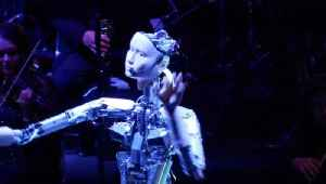 Heavy Metal! Robot Conducts Human Orchestra Through Live Performance [Video]