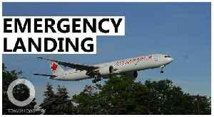 An Air Canada Boeing 767 has close call in Madrid [Video]