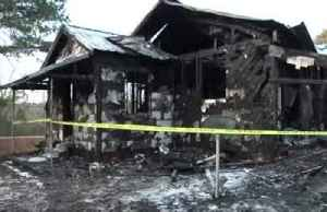 Mom, 6 kids killed in Mississippi house fire [Video]