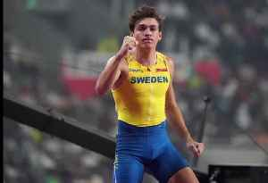 Swede Mondo Duplantis sets new pole vault world record [Video]