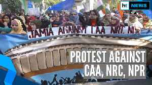 Delhi: Anti-CAA protestors marching from Jamia to Parliament stopped by cops [Video]