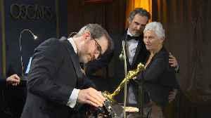 Brad Pitt, Renee Zellweger Celebrate Oscar Wins At Governor's Ball [Video]