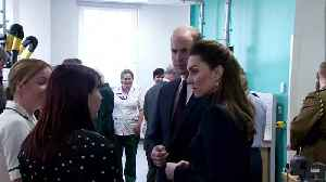 Royal family tag-teams new veterans' clinic [Video]