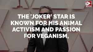 Lena Dunham: Joaquin Phoenix made me vegan [Video]