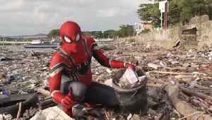 Cleaning up the Streets! Indonesian Man Picks up Trash in Spider-Man Suit to Highlight Waste Problem! [Video]