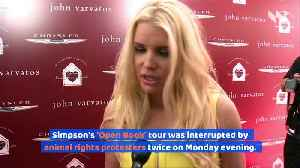 Jessica Simpson Book Event Disrupted by Protesters [Video]