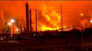 Fifth largest refinery in US catches fire [Video]