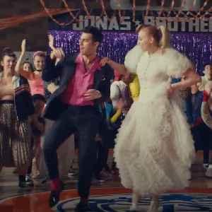 News video: Joe Jonas and Sophie Turner are having a baby