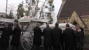 Horse-drawn carriages lead funeral procession for My Big Fat Gypsy Wedding stars [Video]