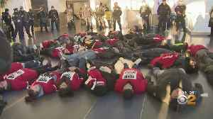 News video: 34 Arrested At Airline Catering Workers' Rally At JFK Airport